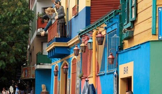 El Camita med sina färggranna hus