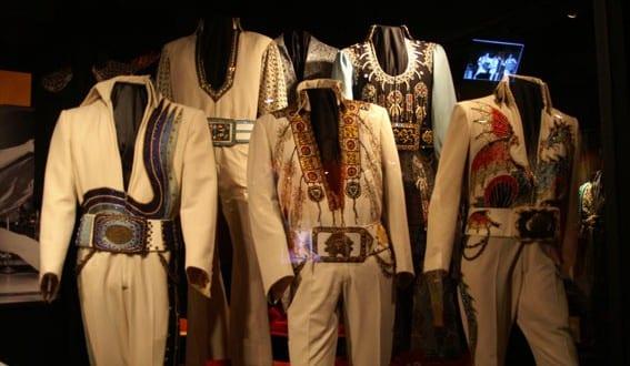 Elvis finns med oss under resan